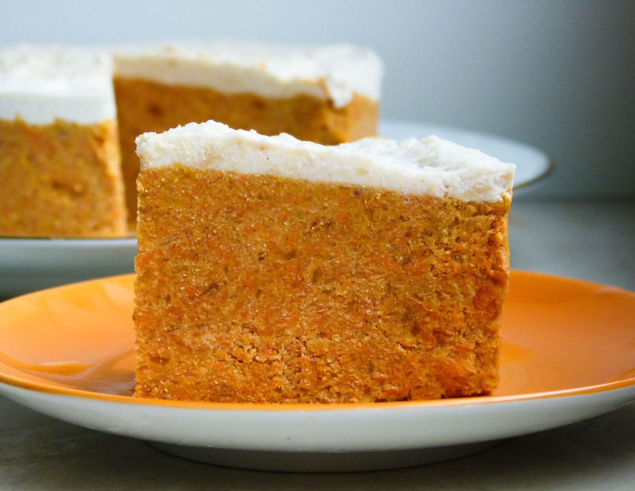 roher karotten kuchen mit aprikosen