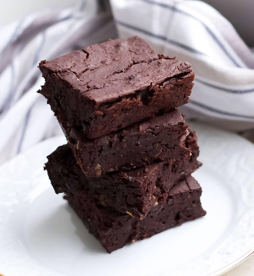vegane brownies mit kidneybohnen healthy on green. Black Bedroom Furniture Sets. Home Design Ideas