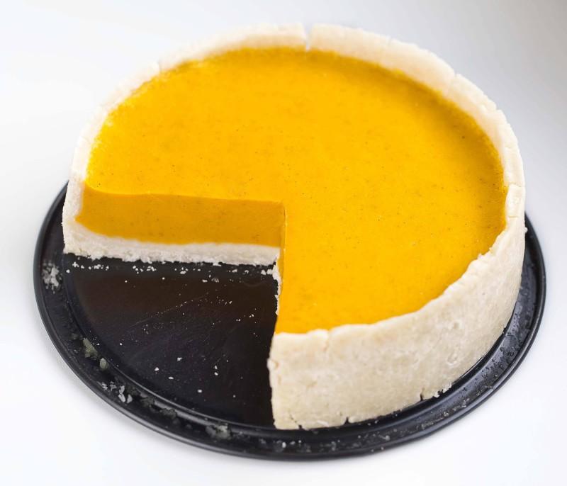 Glutenfreier Kürbis Kuchen mit Mandel-Zimt-Creme