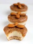 rohkost-kaesekuchen-mandel-muffins-mit-dattelcreme