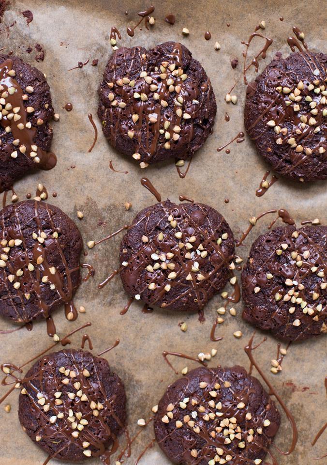 Weiche Avocado Schoko Cookies