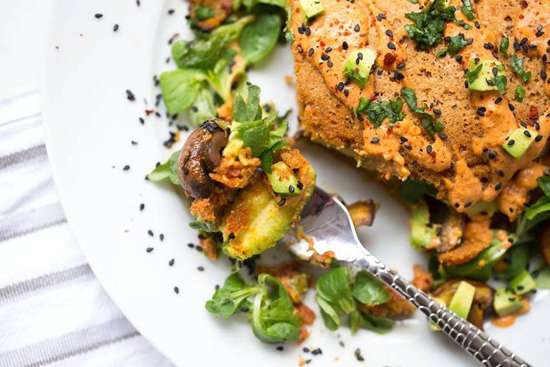 Veganes Omelette mit Kichererbsenmehl